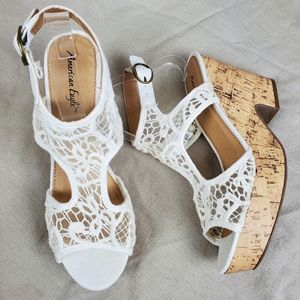 AEO Cream Lace Crochet Cork Sandal Wedge Heels 10